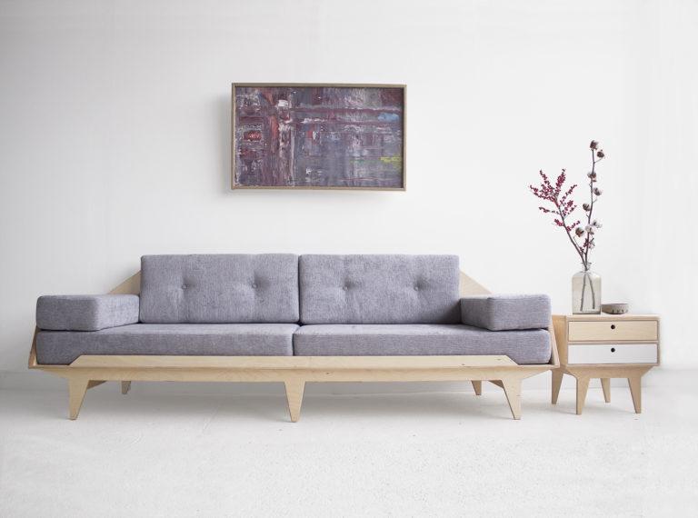 minimalistyczna sofa sklejka