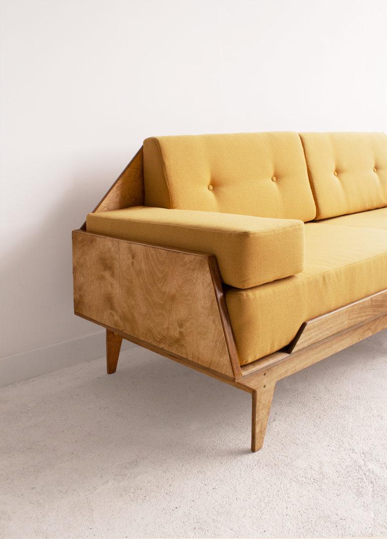 sofa ze sklejki