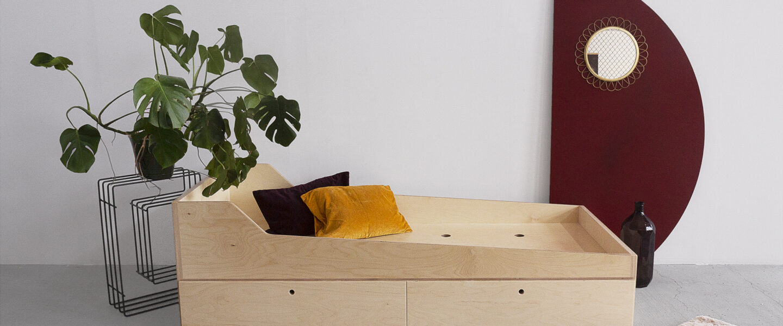 łóżko na dwa materace ze sklejki